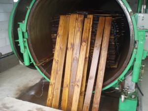 Пиломатериалы с пропиткой, пропитка дерева в автоклаве