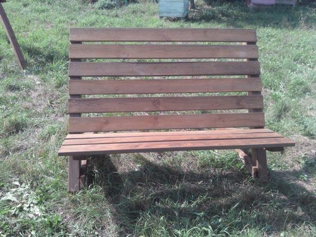 Садовая мебель из дерева:  Садовая лавочка