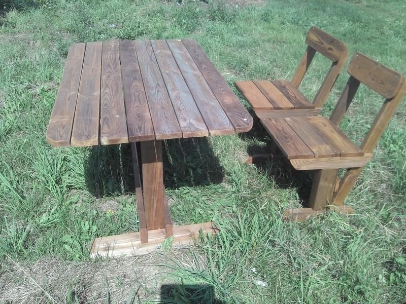 Садовая мебель из дерева: стол и стулья