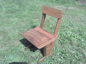 Садовая мебель из дерева: стул из массива