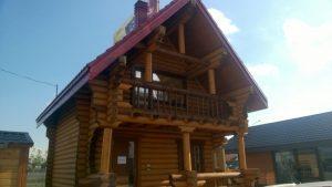 Деревянный дом в Ждановичах