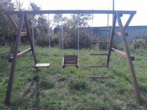 Деревянные качели - игровой центр