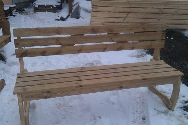 Садовая мебель из дерева: деревянная лавка