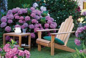 Мебель для дачи: кресло и столик