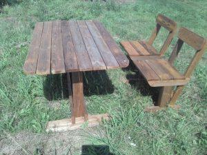 Садовая мебель из дерева: стол и стулья из массива