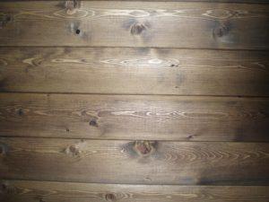 Стена из имитации бруса
