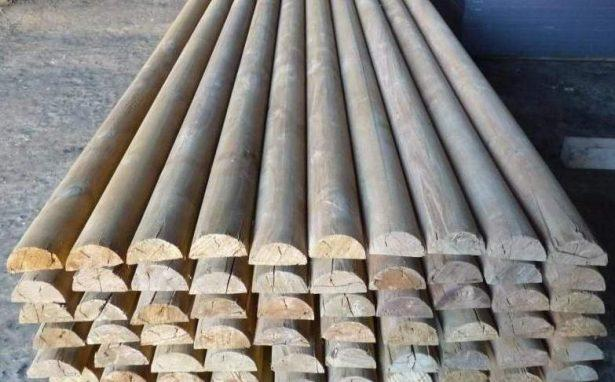 забор из горбыля (ригеля деревянные)