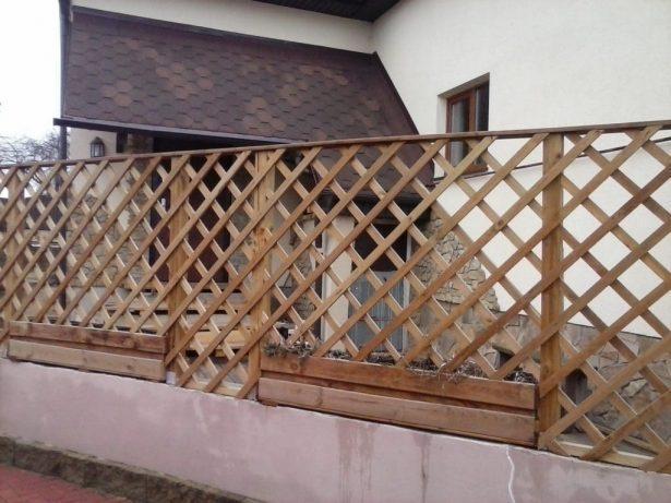 Заборы и ворота: Забор-шпалера из дерева